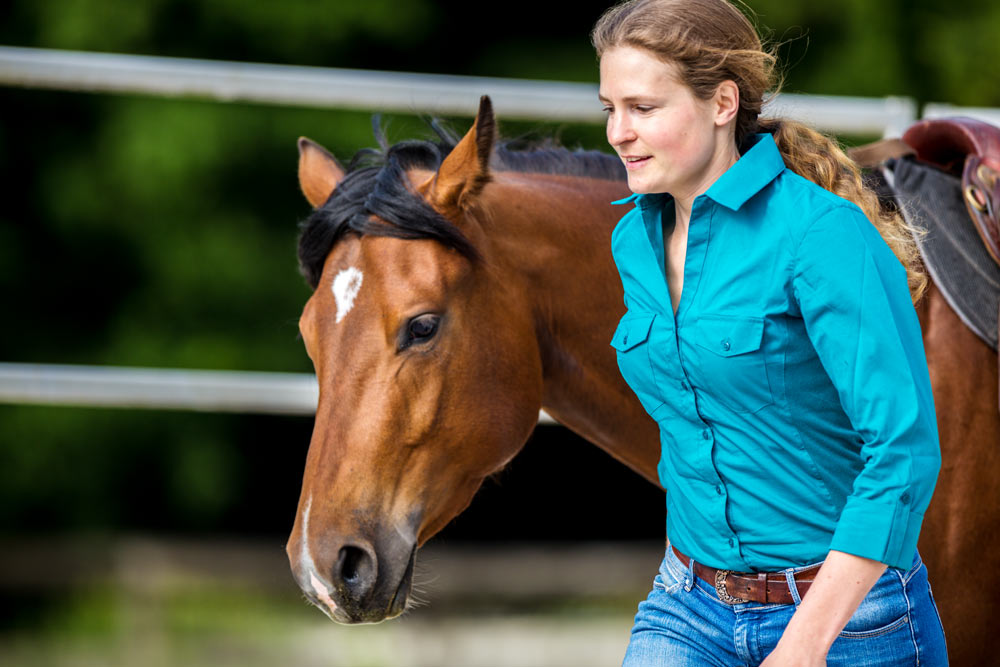 Gabi Neurohr - Colt Starting, Young Horse Training, Horse Foundation Training and Problem Horses